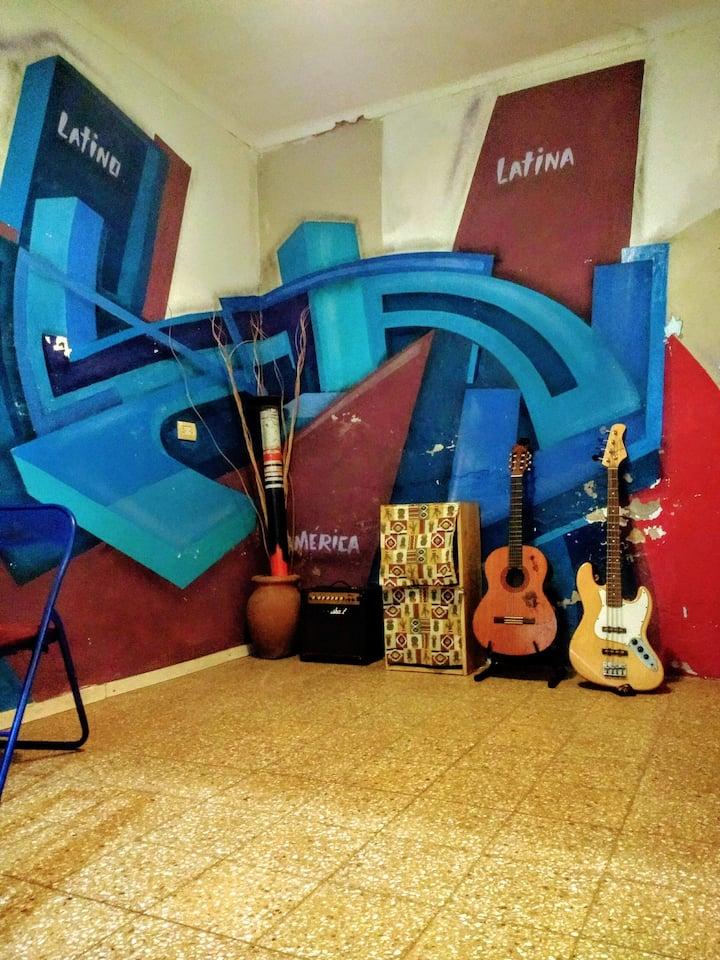 CASA 44: Para gente que hace música y que no