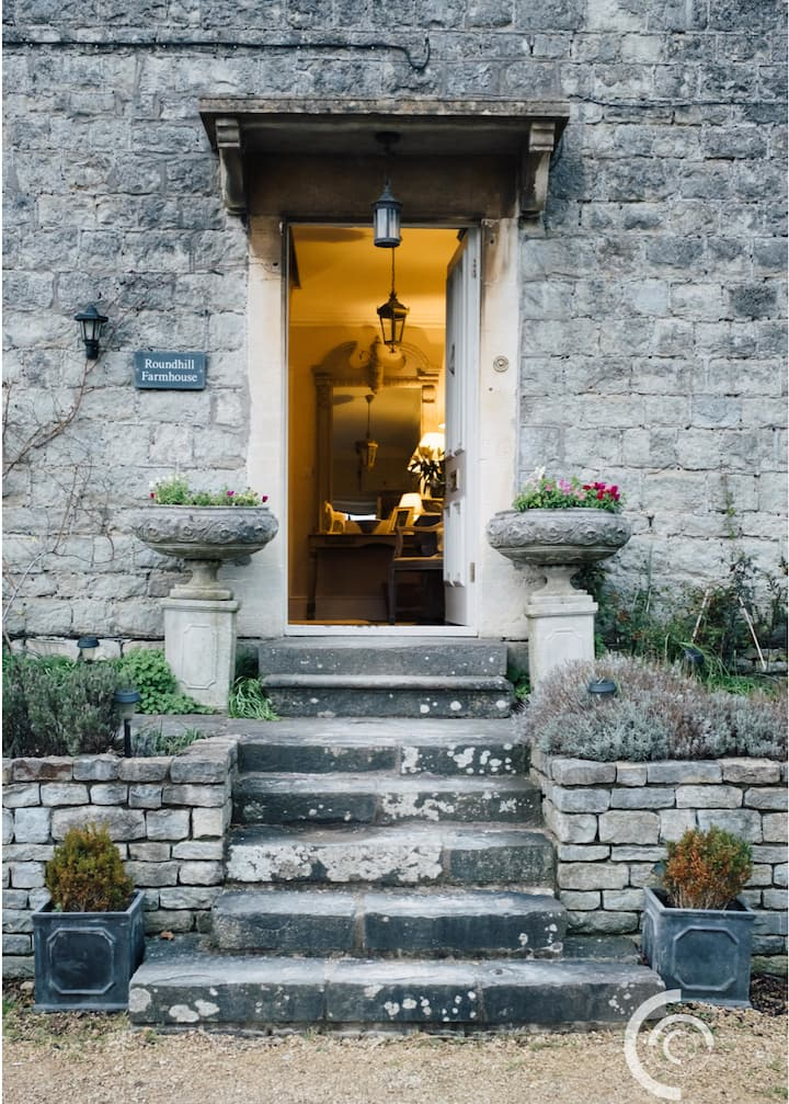 Beautiful Farmhouse stay, close to Bath
