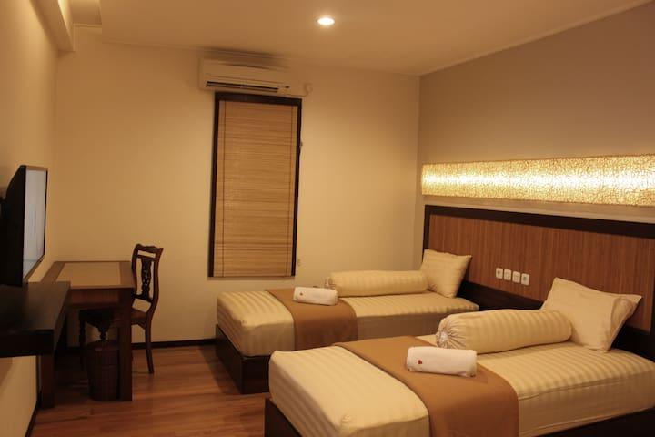 Twin Bed - Banjarmasin Tengah - โรงแรมบูทีค