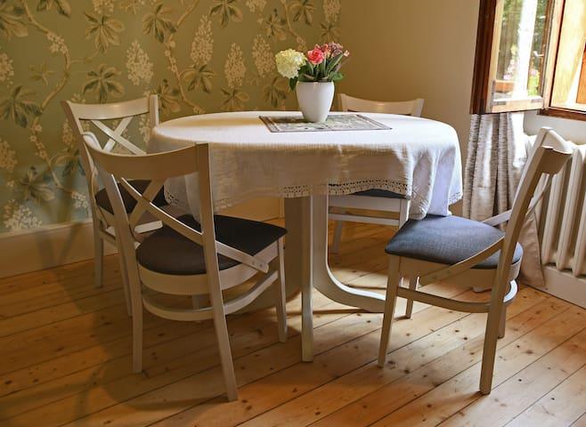 Chestnut apartment in Villa Forest Garden