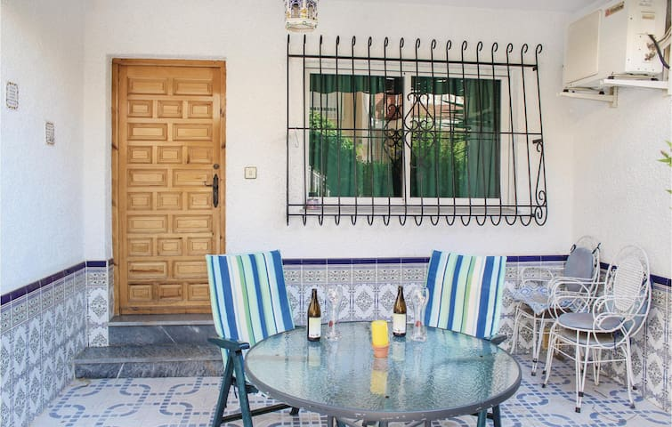 Terraced house with 2 bedrooms on 60m² in Los Alcazares