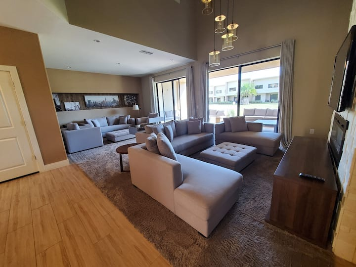 👉BEAUTIFUL MODERN NEW 🏠 3SUITES 10 MIN DISNEY👇