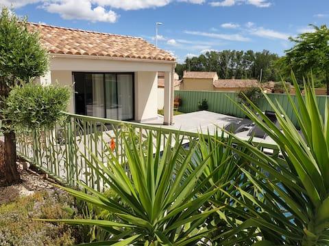 Studio cocon, piscine, clim, terrasse, parking