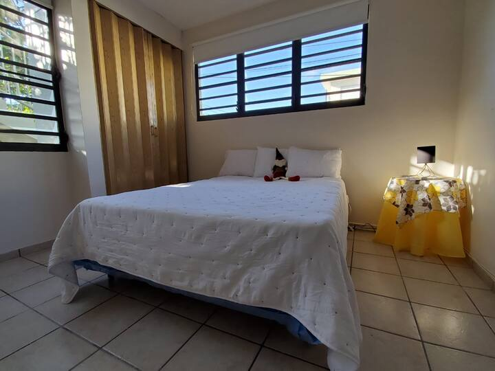 Comfy Getaway Apartment 2 minutes from the beach!