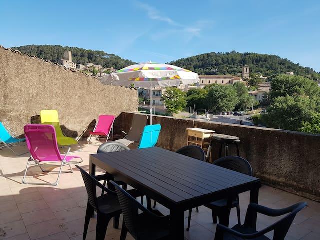 Joli appartement**, terrasse, balcon