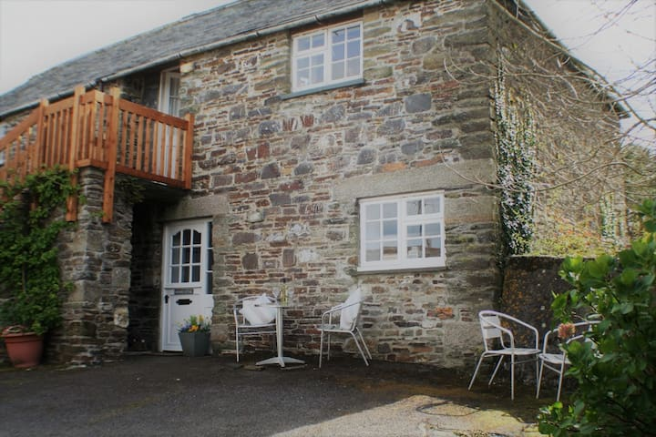2 bedroom stone built country cottage near the sea - Rosecare - Leilighet