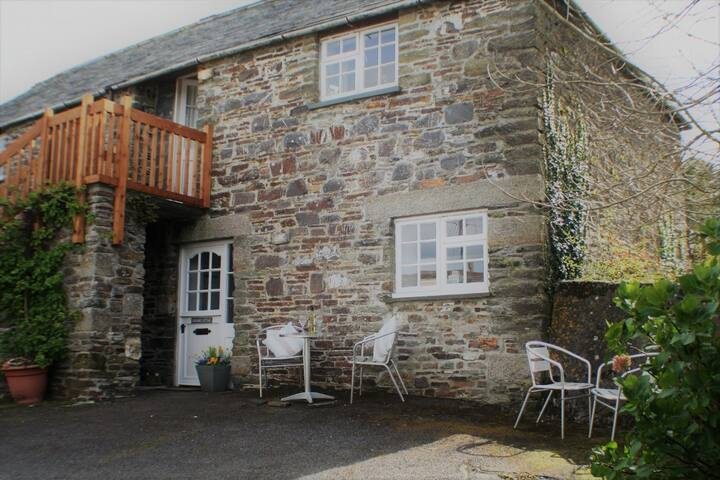 2 bedroom stone built country cottage near the sea - Rosecare - Apartment