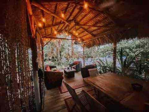 Tiki Hut Cottage
