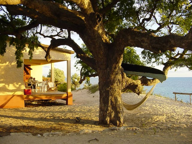 Bungalow by the Sea Ifaty, Tulear Madagascar - Ifaty - Bungalo