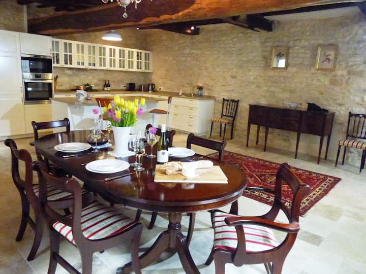 Chez Montrachet, all new, superb 3 bdrm/3.5 bath