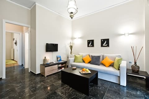 Cosy flat at Pireus center, 450m from marina Zeas