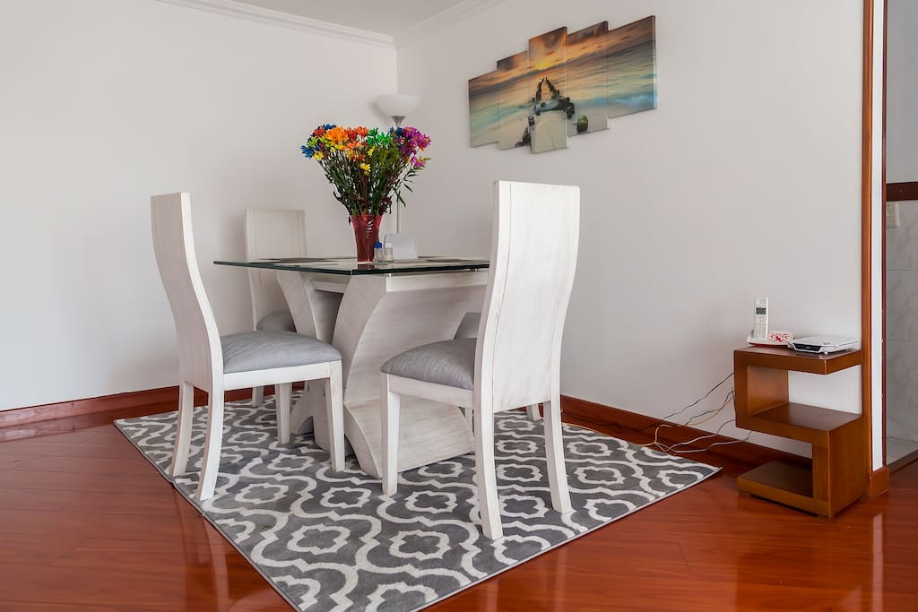 Comedor/  Dinning Table