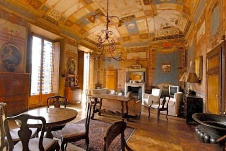 large, exclusive historical villa - up to 40