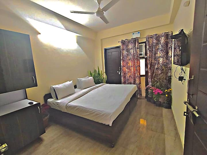 Entire floor 3 BHK newly build and furnished