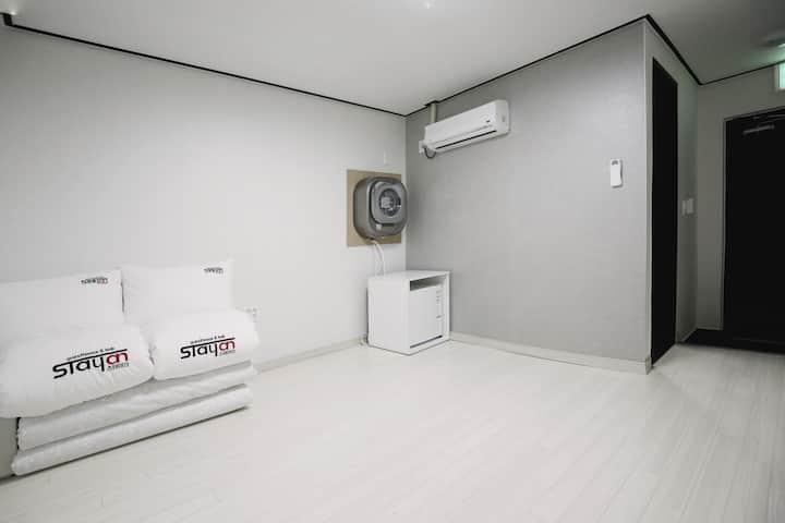 ?? Stayan bnb, Floor heated room