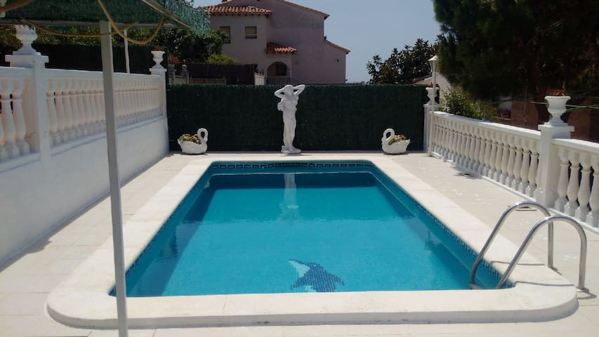 casa con piscina en Cunit - Cunit - House