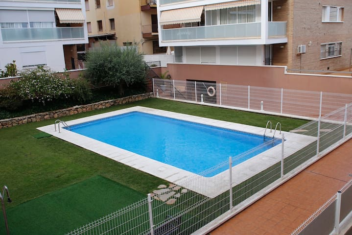 Apartment with pool 300 meters from the beach - Torredembarra - Appartement en résidence