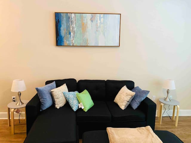 Cozy 2br home near Medical Center, NRG, & Downtown