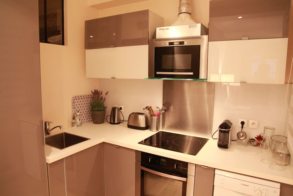 A fully equipped kitchen to cook delicious meals