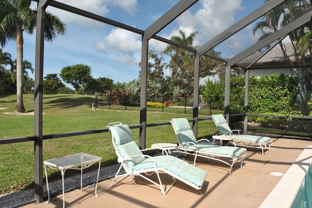 Quiet pool view - golf course view but no golf path near pool.