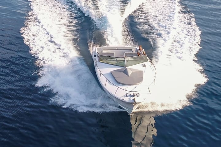 LUXURY PRIVATE SPEED BOAT TOURS from HVAR
