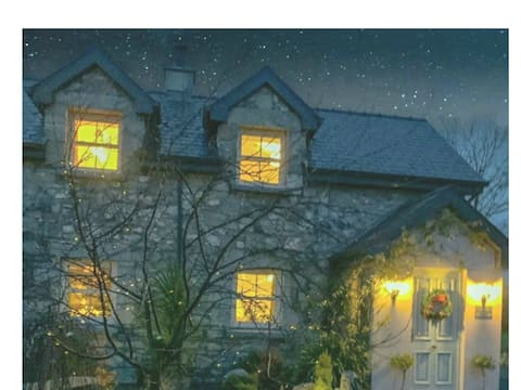 Beautifully renovated stone Cottage