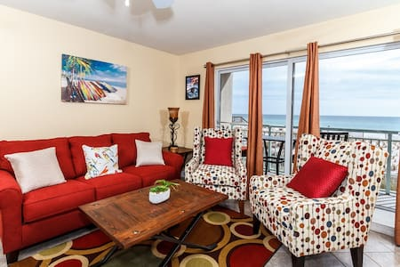 Beachfront Condo with Spectacular Beach Views! - 华尔顿堡滩(Fort Walton Beach)