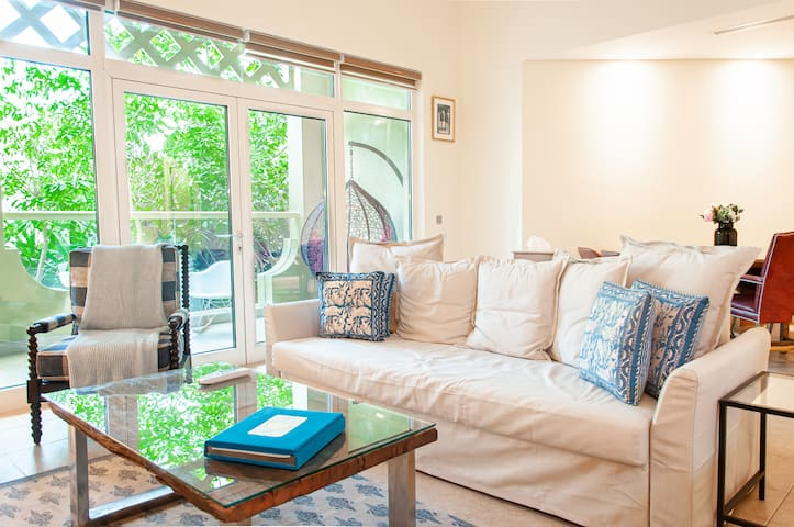 Garden Views | Sun-kissed 2BD on the Palm