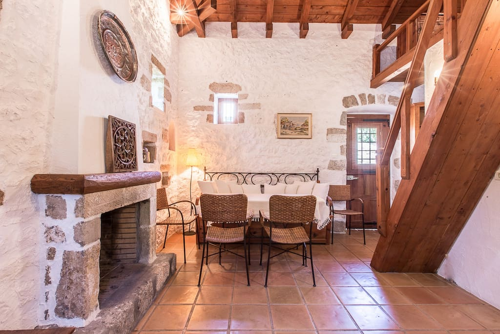 Living Area (Elia Cottage)