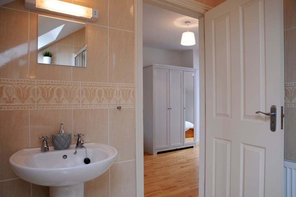 Master bedroom ensuite with power shower