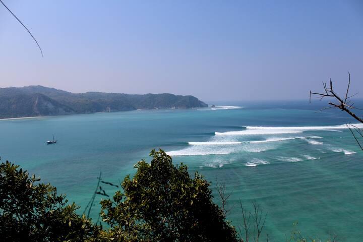 Tarimbang Beach Shack