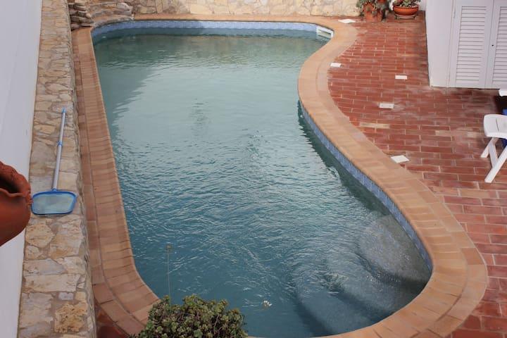 4 bed villa with pool 2km to beach - Praia da Luz - Hus