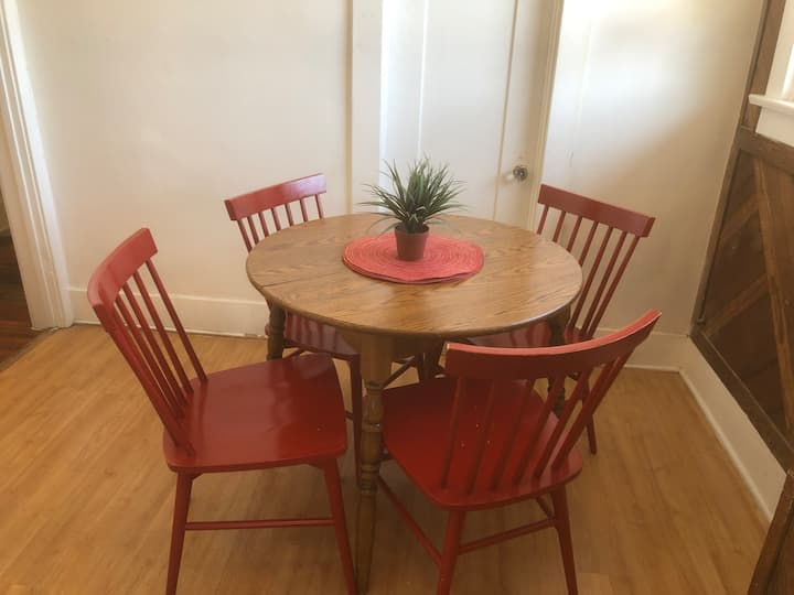 1Bed 1bath*1mile to beach*Parking*20 min to Disney
