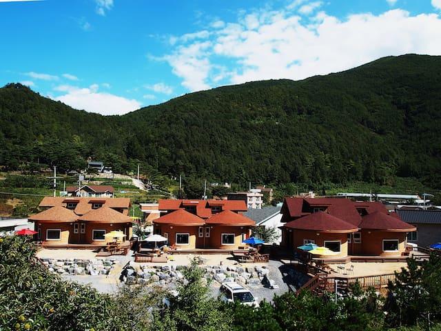 Moonlitriver - Yeongwol-eup, Yeongwol-gun - Casa cueva
