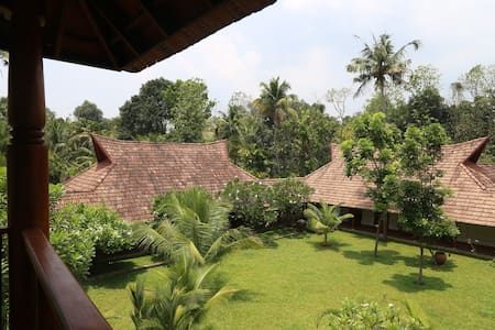 Indian Summer House Luxury Villa - Ernakulam - Villa