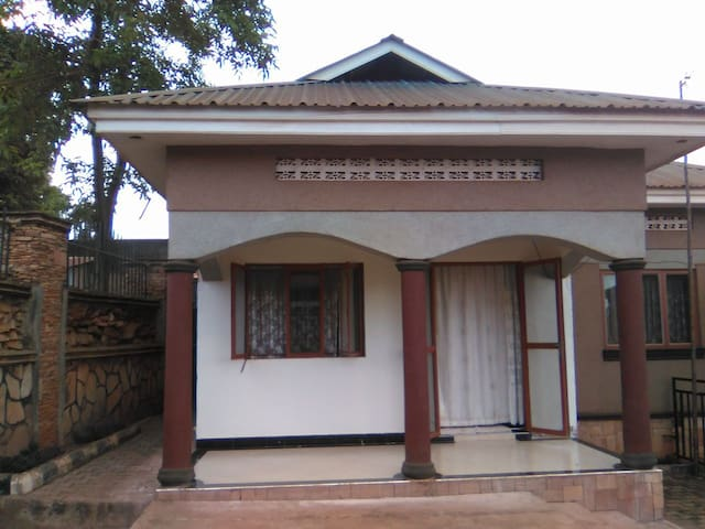 Private Corner - Kampala - House