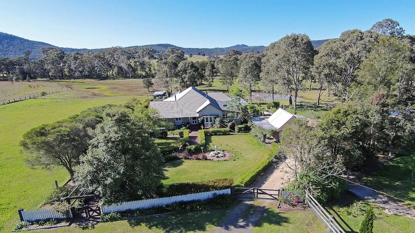 Millfield Homestead -A beautiful step back in time - Millfield
