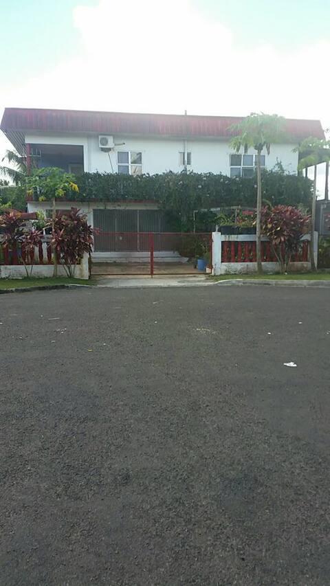EXECUTIVE HOUSE.
