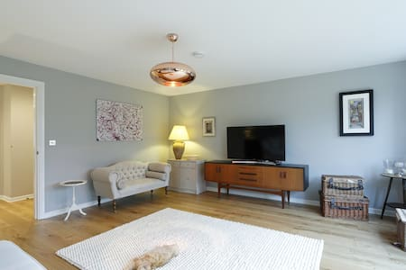 Stylish 3 bed townhouse central Marlow  sleeps 6-8 - Marlow - Casa