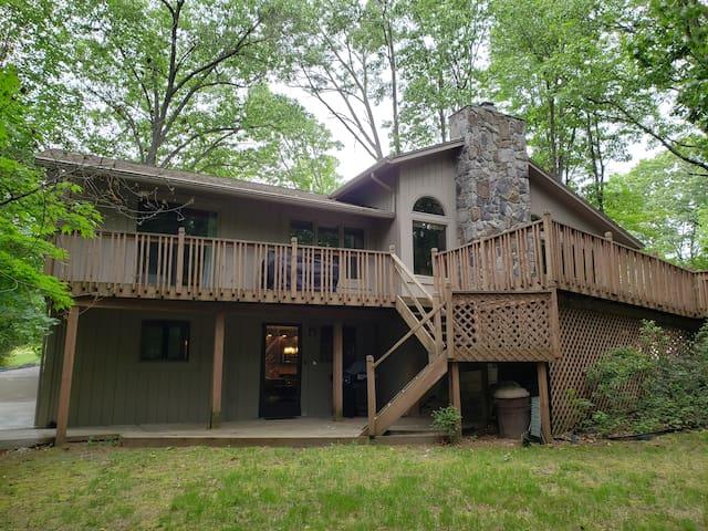 Tranquil Retreat-Safe Neighborhood-Lake Access