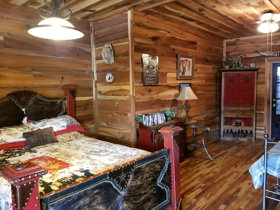 The Quarter Horse Room
