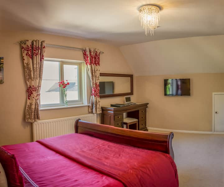 Holly House Bed and Breakfast Windrush Room