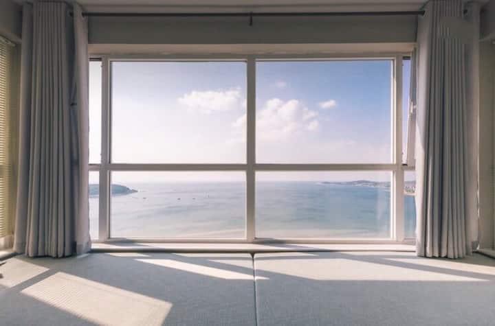地暖已开#FREE芙芮/270°无死角海景/在北欧设计感房屋内体验在海风中醒来(紧挨哈工大山大)