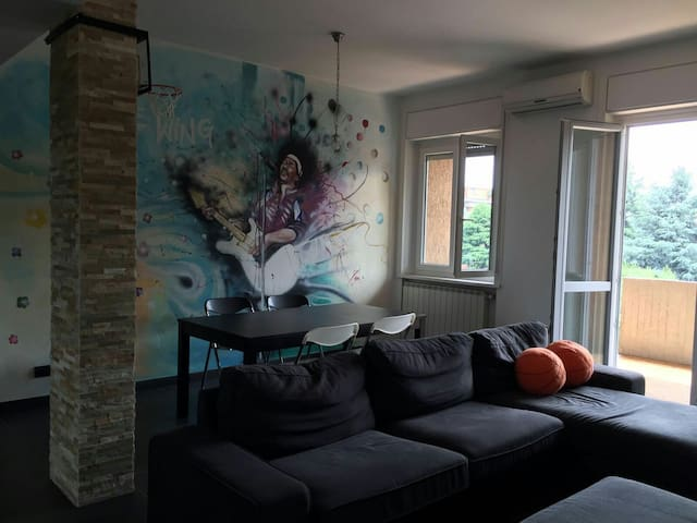"""""""Jimmy's House"""" - Ampio appartamento al 3 piano"""
