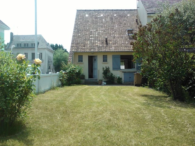 Jolie maison avec jardin proche de la plage - Fort-Mahon-Plage - Dům