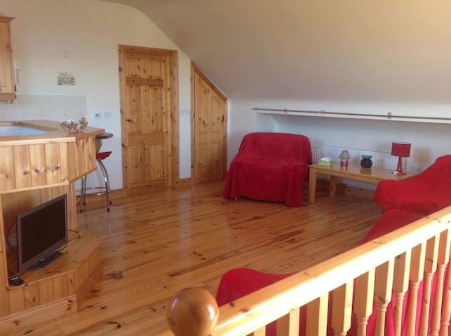 Lakeshore Loft Apartment -  Ballinrobe, near Moore Hall - Flat