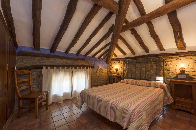 APARTAMENTO SEVIL: habitación con cama de matrimonio.