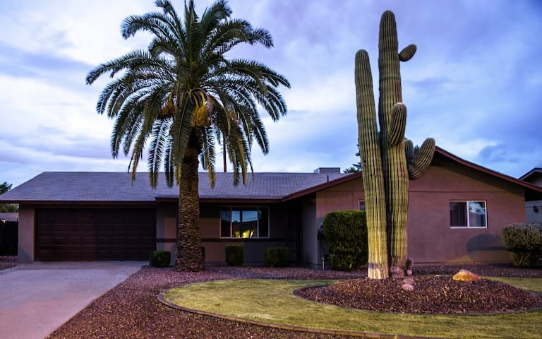 Old Town Scottsdale Diggs Guest #1 Bedroom