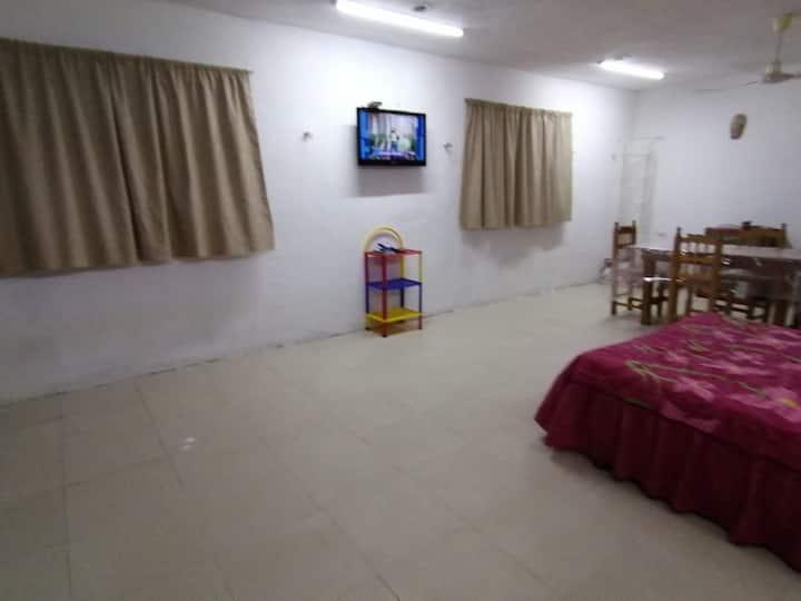 Casa para 12 personas, baño y cocina separado.