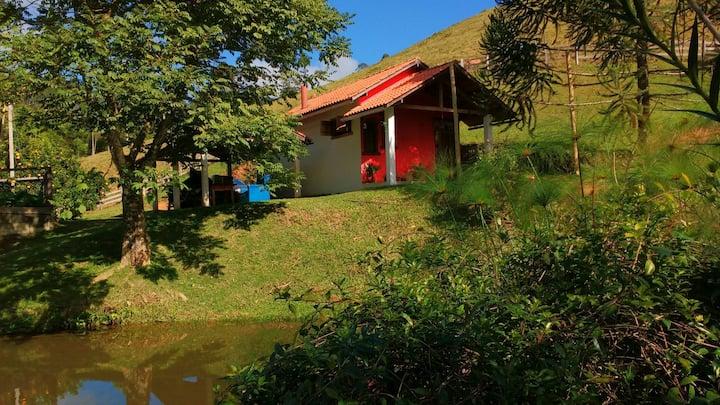 Chalé Casa Pedra. Experimente viver numa fazenda !